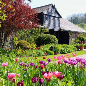 The gardens at Upwaltham Barns are perfect for a spring wedding