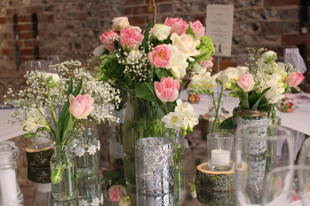 Simple Wedding Centrepieces
