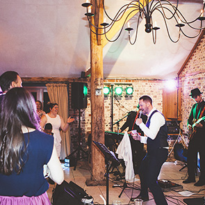 Wedding Entertainment Ideas © Leanne Jade Photography